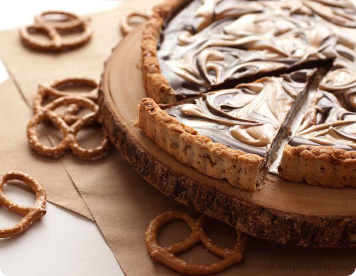 Chocolate Covered Peanut Butter Pretzel Tart via Lindsey {Hot Polka ...
