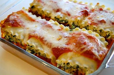 Spinach Lasagna Rolls (Weight Watchers) : My family loves these, even though they dislike spinach.   I used crushed San Marzano tomatoes for the sauce, but you could use your favorite pasta sauce to add extra flavor instead of plain tomato sauce.