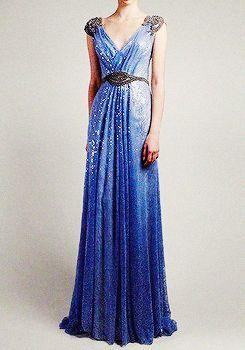 type de vêtement (mais j'imagine plutôt des manches)  bleu nuit