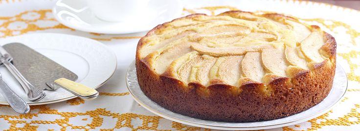 Uno splendido connubio quello tra le pere e la ricotta. Insieme danno vita ad una torta morbide e gustosa perfetta per le vostre colazioni!