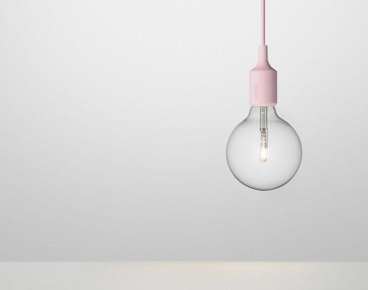 lampa E27 od Muuto, světle růžová