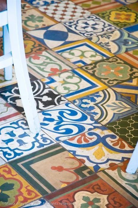 pavimento a mosaico di piastrelle