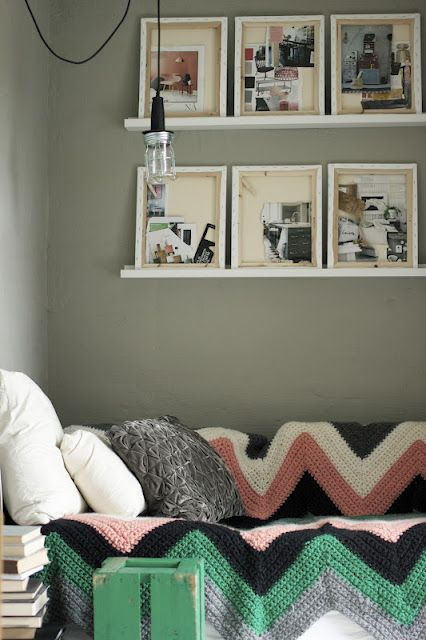 this little corner: Crochet Blankets, Idea, Color, Interiors Design, Paintings Canvas, Knits Blankets, A Frames, Design Blog, Chevron Blankets