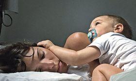 Οι σκοτεινές αλήθειες για τη μητρότητα που ποτέ δεν λέμε   Πρόσφατα ένα φιλικό μας ζευγάρι που περιμένει παιδί ζήτησε από το σύζυγό μου και μένα κάποιες χρήσιμες συμβουλές.  from Ροή http://ift.tt/2vTz0H0 Ροή