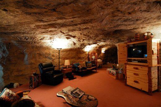 10 Cool Underground Hotels