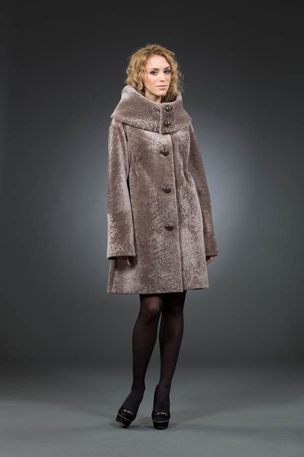 Coats Mouton 2017 (124 photos) from any animal, sheared, from which it is made, how much it costs, reviews, child, white, with Silver Fox