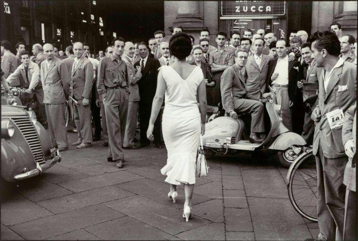 E' morto a Milano, Mario De Biasi, uno dei padri del fotogiornalismo italiano. Nato nel 1923 a Sois, in provincia di Belluno, De Biasi ha iniziato a lavorare nel 1953 a Epoca, considerato il 'Life' italiano per la qualità delle sue immagini. Si è spento a meno di dieci giorni dal suo n