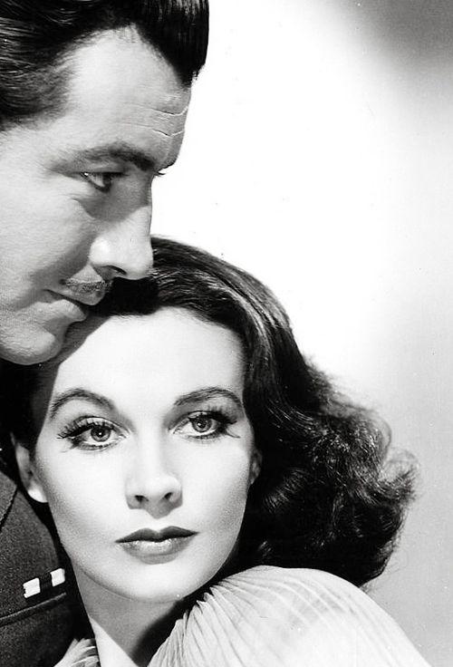Vivien Leigh and Robert Taylor in Waterloo Bridge (1940)  Vintage Classic Hollywood Stars