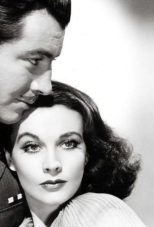 "Robert Taylor and Vivien Leigh publicity still for ""Waterloo Bridge"""