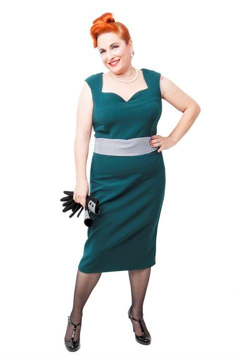 Vestido VICTORIA. Vestido de tubo color verde oscuro. Solapas y cinturón en pata de gallo. #Presumidas #AndreaPalau #soypresumida #PresumidasElegance #moda #moda50s #años50 #1950sfashion #ropavintage #m#pinup #pinupgirl #fiftties #fifttiesstyle #fifttiesgirl #cool #estampadosvintage odavintage #vintagestyle#vintageoutfits #vintagetrends