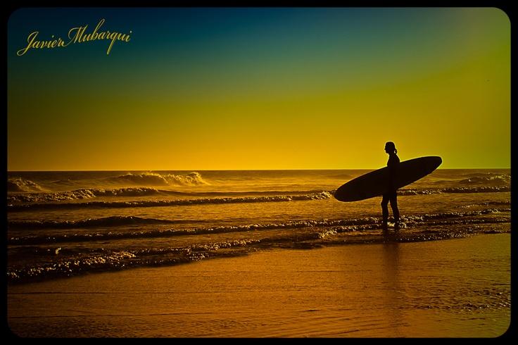 Surf's up, Necochea, Argentina. Provincia de Buenos Aires.