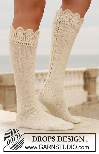 Knee-high hand knit socks with lace edge...Wonderful boot socks!