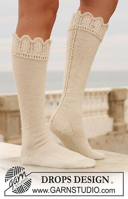 Knee-high hand knit socks with lace edge...Wonderful boot socks!