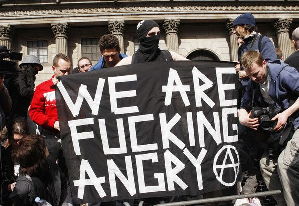 Images show London this morning at the beginning of the G20 protests in the financial district. (Photo Agency)