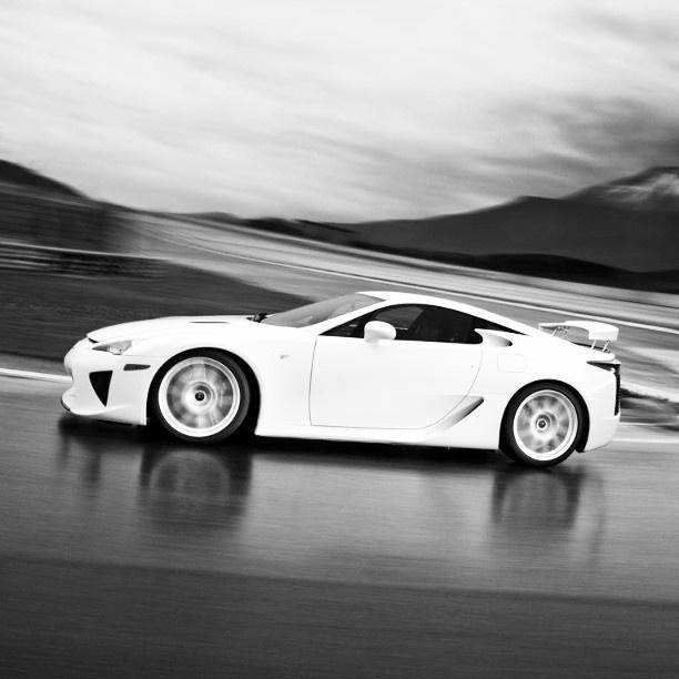 Lexus LFA - high speed drive in Iceland