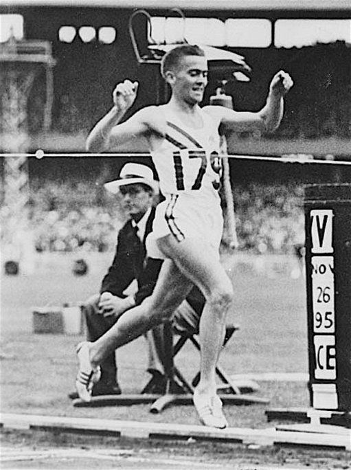 """Albie Thomas: Profile 1935-2013        When 21-year-old Albie Thomas of Australia burst on to the international scene with a fifth place in the 1956 Olympic 5,000, coach Percy Cerutty considered him the """"best runner, technically speaking, in the world today."""" (..."""