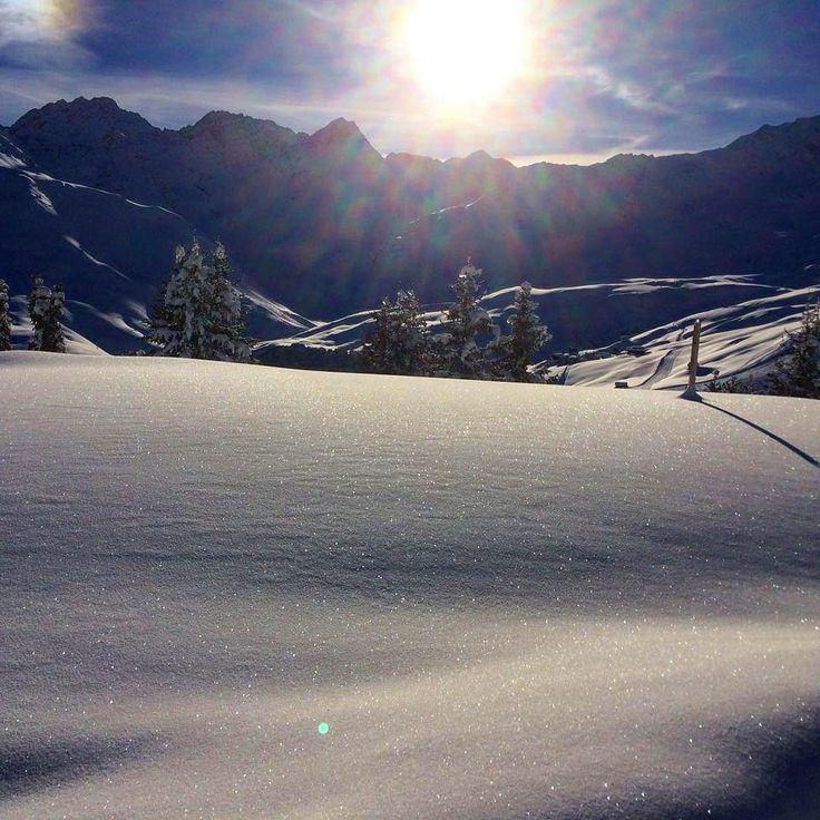 "42 Me gusta, 1 comentarios - Arosa Kulm Hotel & Alpin Spa (@arosakulmhotel) en Instagram: ""Happy Wintertime #arosa #arosakulmhotel #arosalenzerheide #welovearosa #winterwonderland #winter…"""