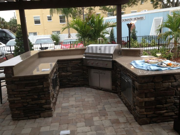 Outdoor grilling area in Tampa Florida on New Construction.