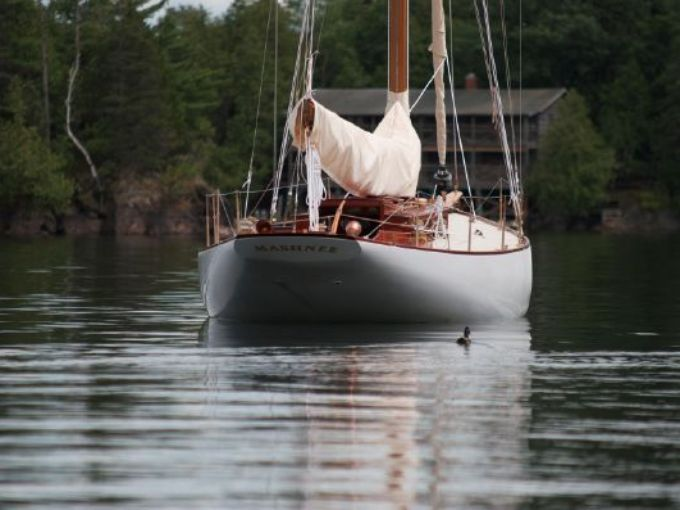 Mashnee, a Herreshoff-designed Buzzards Bay 30, was
