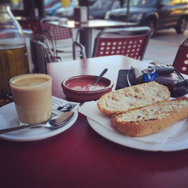 Breakfast for Champions! #breakfast #breakfastforchampions #Thursday #morning #food #yummy #toast #tomato #coffee #life #like