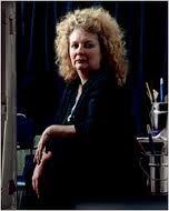 Marlene Dumas is een in Zuid-Afrika geboren kunstenares. Zij woont en werkt sinds 1976 in Amsterdam. Zij studeerde in de jaren zeventig schilderkunst aan Michaelis School of Fine Arts van de Universiteit van Kaapstad. Fotografie, en het werk van Diane Arbus in het bijzonder, had echter het meeste invloed in die tijd op haar werk, wat haar inleidde in de complexiteit van het afbeelden van de mens. Tijdens deze vormende jaren onderzocht Dumas een relatie tussen beeld en tekst in collages.