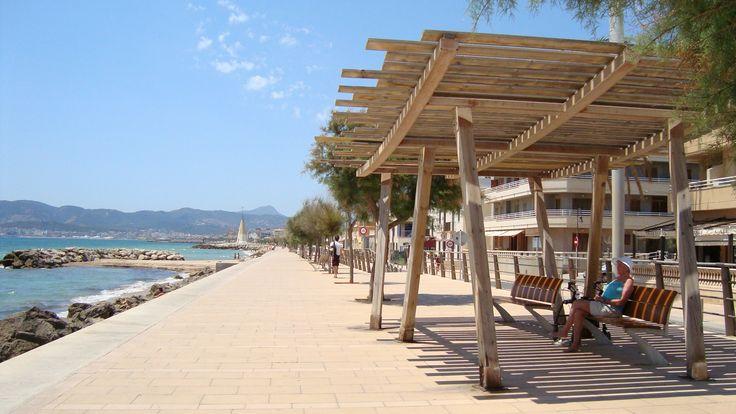 The beach walk of Molinar.