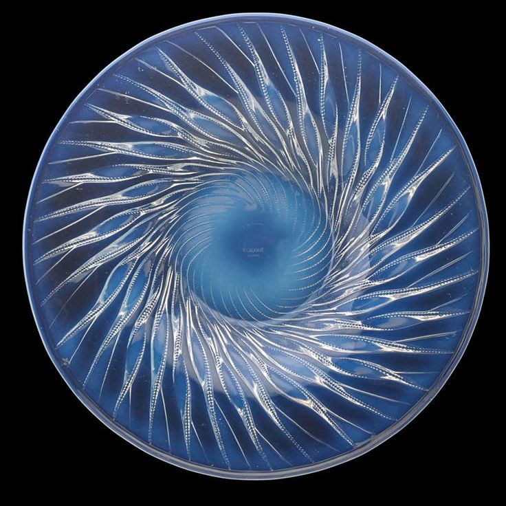 "LALIQUE ""Algues"" plate, opalescent glass, France, des. 1933"