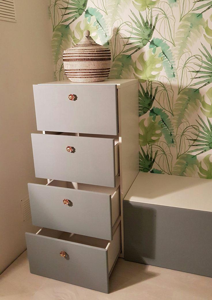Customize ikea Stuva ladenkasten met krijtverf en glazen knoppen van Loods 5
