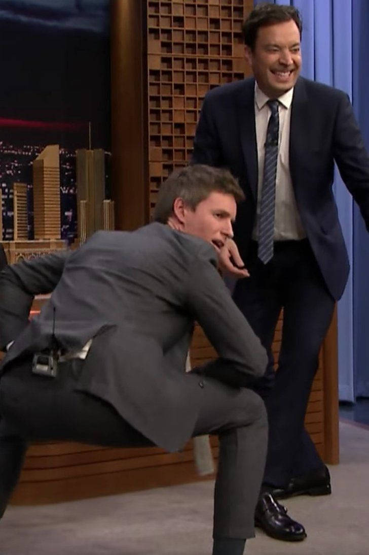 "Eddie Redmayne Teaches Jimmy Fallon a ""Mating Dance"" From Fantastic Beasts"