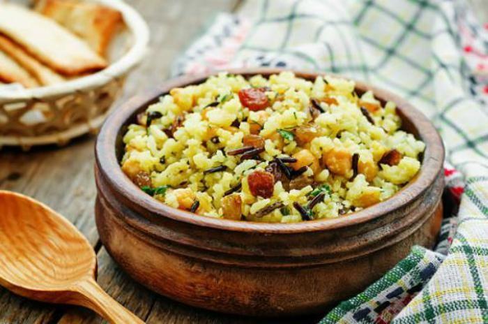 Receta de arroz pilaf al estio hindú fácil de preparar