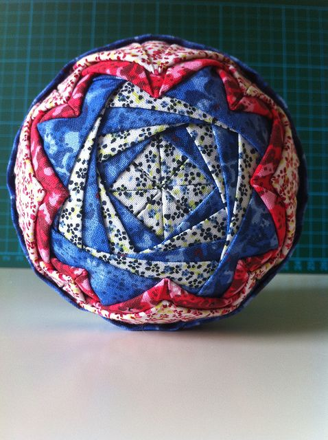 226 best images about Quilting - Folded Star Patterns on Pinterest Christmas balls, Quilt and ...