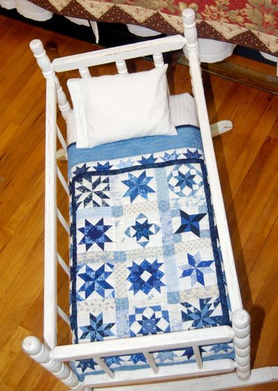 Blue Mini, but a quilting idea for a much bigger quilt