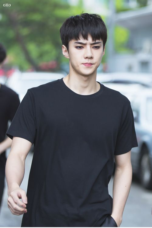 Sehun - 160624 KBS Music Bank, midway commute Credit: OXO. (KBS 뮤직뱅크 중간외출)