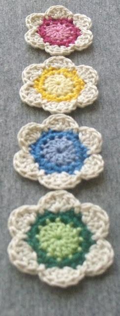Diva Stitches Crochet Blog: Lil' Cute Crochet Flower