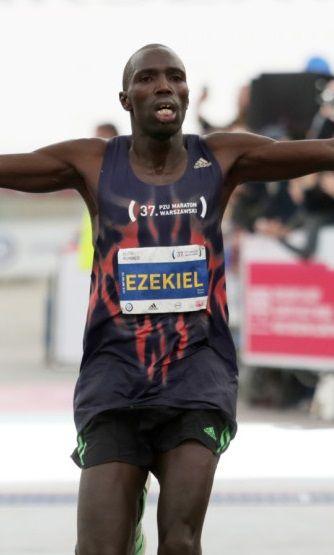 Tysiące biegaczy w stolicy. Podium zdobyte przez Kenijczyków - http://tvnmeteoactive.tvn24.pl/bieganie,3014/tysiace-biegaczy-w-stolicy-podium-zdobyte-przez-kenijczykow,180717,0.html