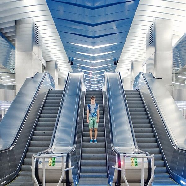 Sasha Levin Tracks Symmetry in Architecture Using People as Focal Points (4/12)