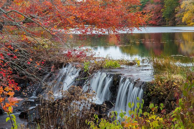 Find out where 10 stunning waterfalls are in Rhode Island.