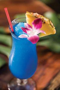 Рецепт коктейля Голубые Гавайи (Blue Hawaii cocktail)