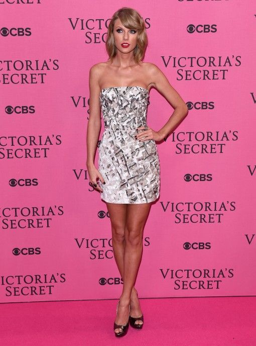 Taylor Swift at the Victoria's Secret Pre-Show