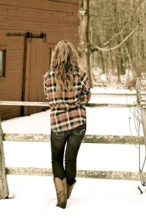 cool 43 Totally Adorable Plaid Shirt Outfits Ideas For Winter  http://viscawedding.com/2018/01/13/43-totally-adorable-plaid-shirt-outfits-ideas-winter/