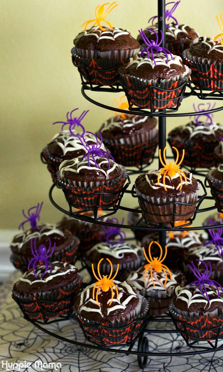 spider cupcake stand - Halloween Cupcake Holder
