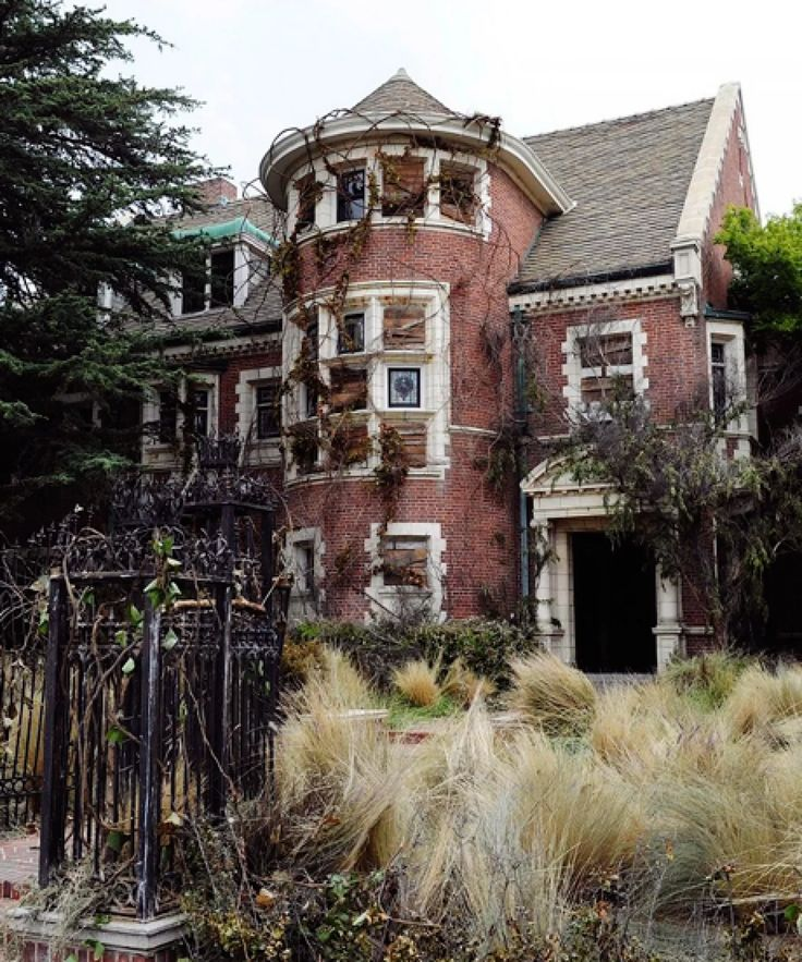 "Someone Bought That House From ""American Horror Story"" For"