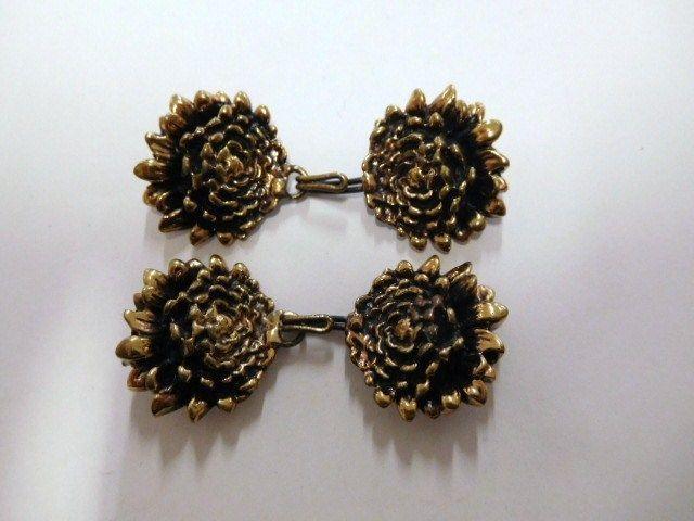 Pentti Sarpaneva, Finland: Vintage 70's Bronze Hook Buttons, 2 Pair. Floral #PenttiSarpaneva