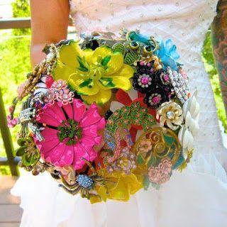 Contemporary brooch bouquet-Amanda Jane Heer via Absolute Perfection