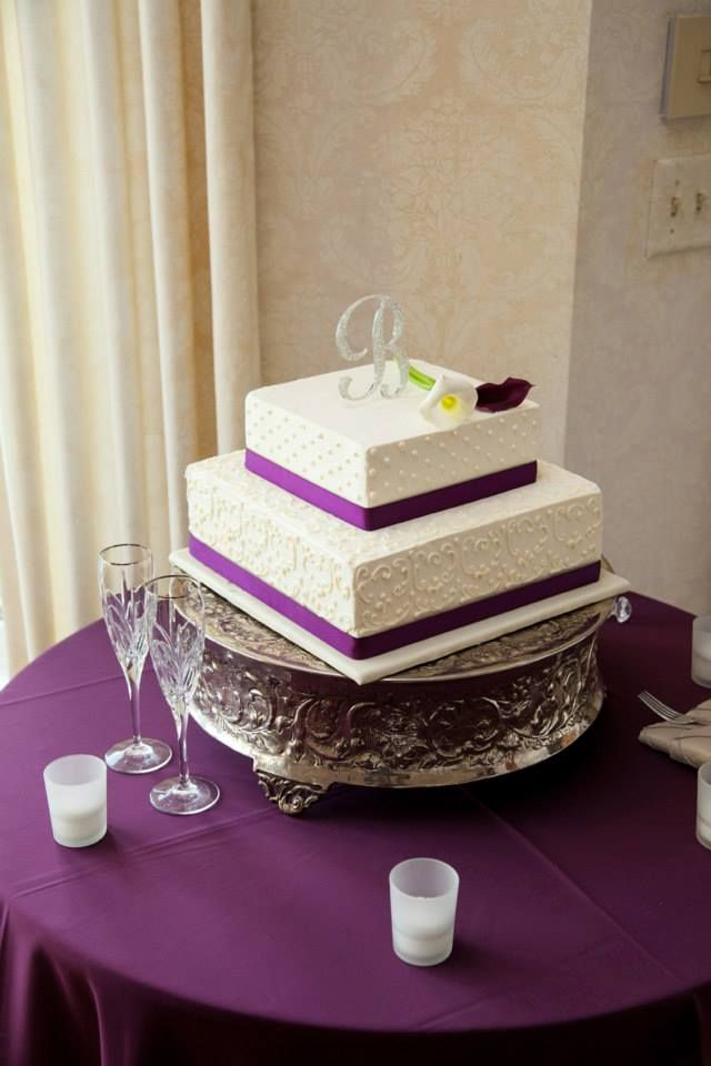 wedding cakes los angeles prices%0A A short and square wedding cake