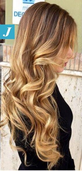 Magia di biondo firmata Degradé Joelle. #cdj #degradejoelle #tagliopuntearia #degradé #igers #naturalshades #hair #hairstyle #haircolour #haircut #longhair #style #hairfashion