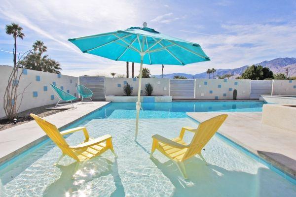 Innit in Palm Springs, CA
