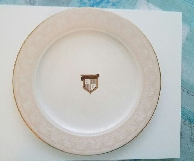 Club Colette Exclusive Palm Beach Dining Club Gold Rimmed 10 1/2 Inch Plate
