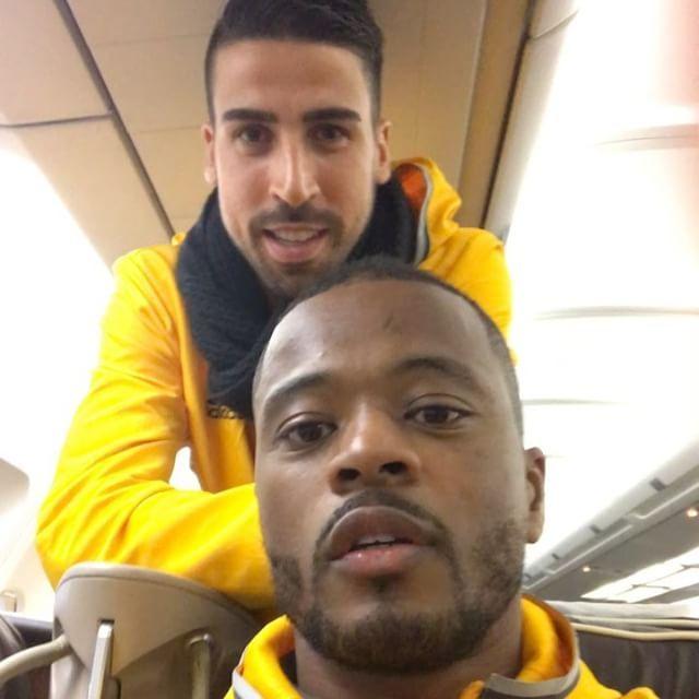Going to Doha for the supercup !!! Big Sam @sami_khedira6 and mister no good !! @mariomandzukic_official and they all love this game  hahaahahahhahahahah