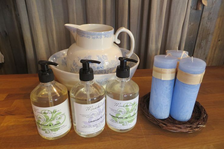 Ecological soaps and candles. Tableware from Burleigh // Økologiske såper for kropp og oppvask fra Munkholm samt økologiske lys fra Vance Kittra. Servise fra Burleigh.